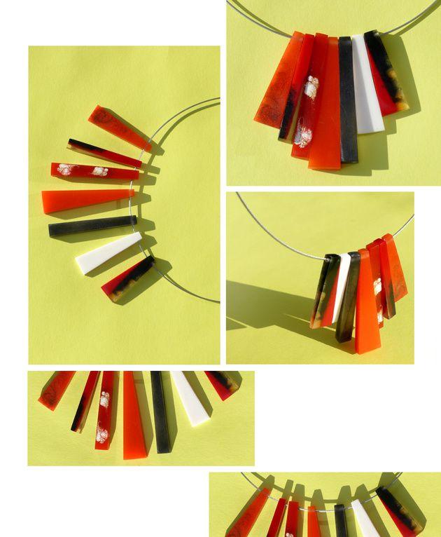 Trapezförmige Anhänger aus Kunstharz an Edelstahlcollier aus der Edna Mo Manufaktur.