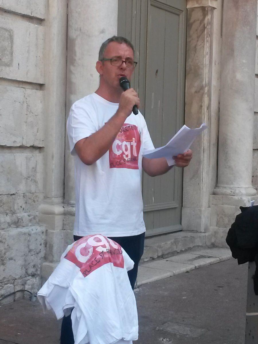 L'hommage de la CGT, avec l'intervention de Gérard Ré, secretaire général du l'UD 06