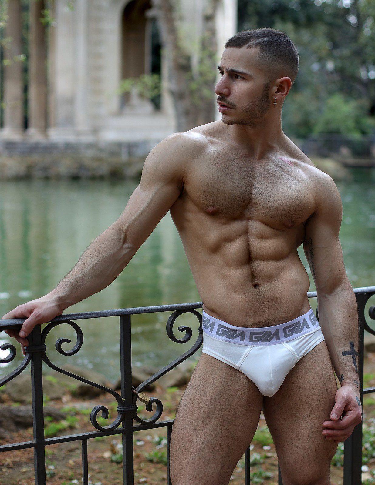 Paolo Bellucci pour Garçon Model