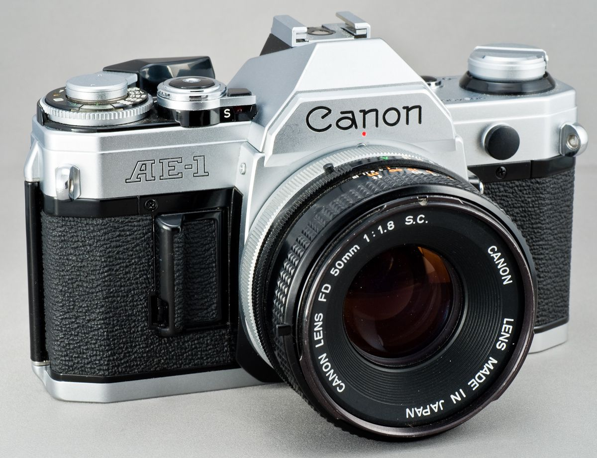 Le mythique Canon AE-1, commercialisé entre 1976 et 1984.