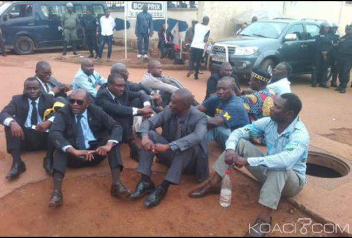 CAMEROUN : SELON LA COFACE L'OPPOSITION CAMEROUNAISE N'EST PAS CRÉDIBLE.