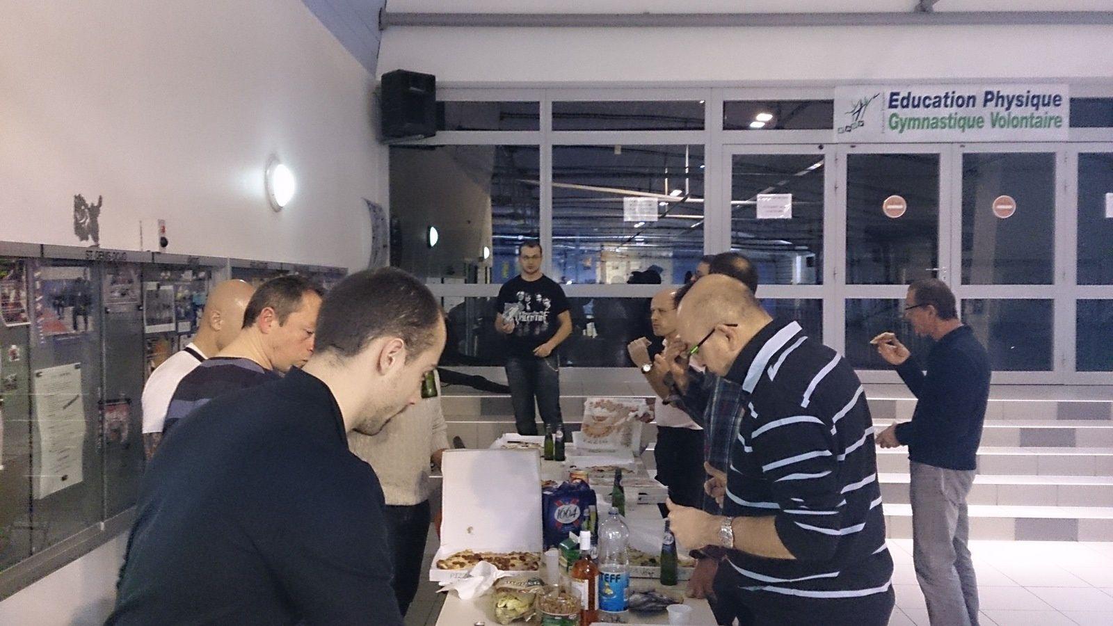Grande réussite de la pizza party du lundi 10 Novembre 2014 !!!!!!!!!!!