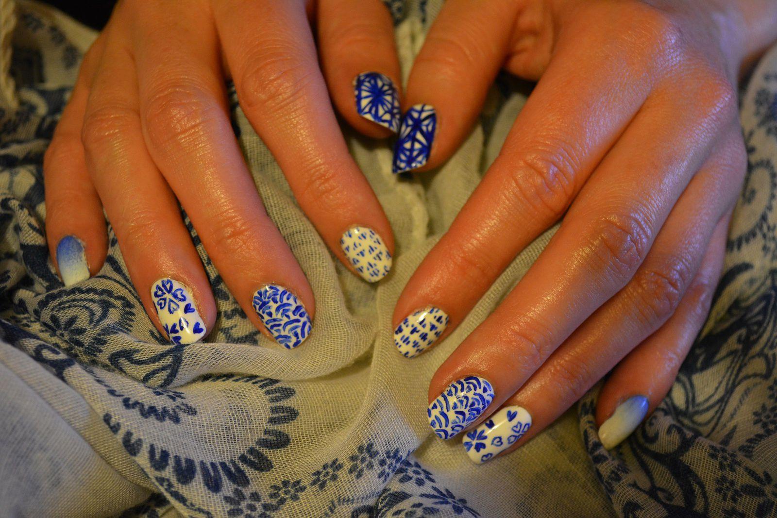 Nail Art - Bleu et Blanc