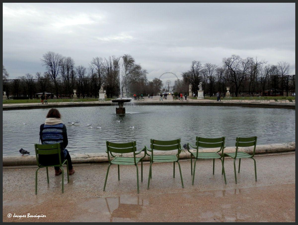 Rêverie solitaire au bord du bassin, fondements de la pensée tout frais !