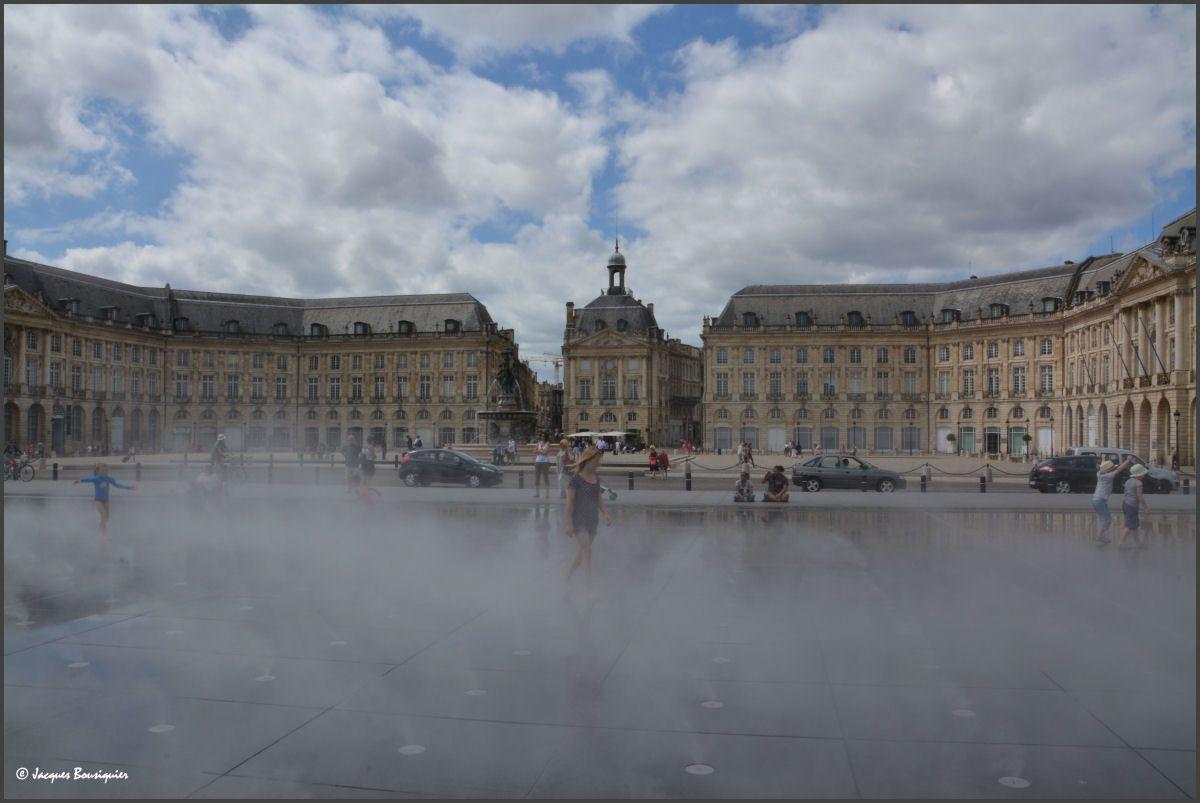 Le Miroir d'eau de Bordeaux : que d'eau !