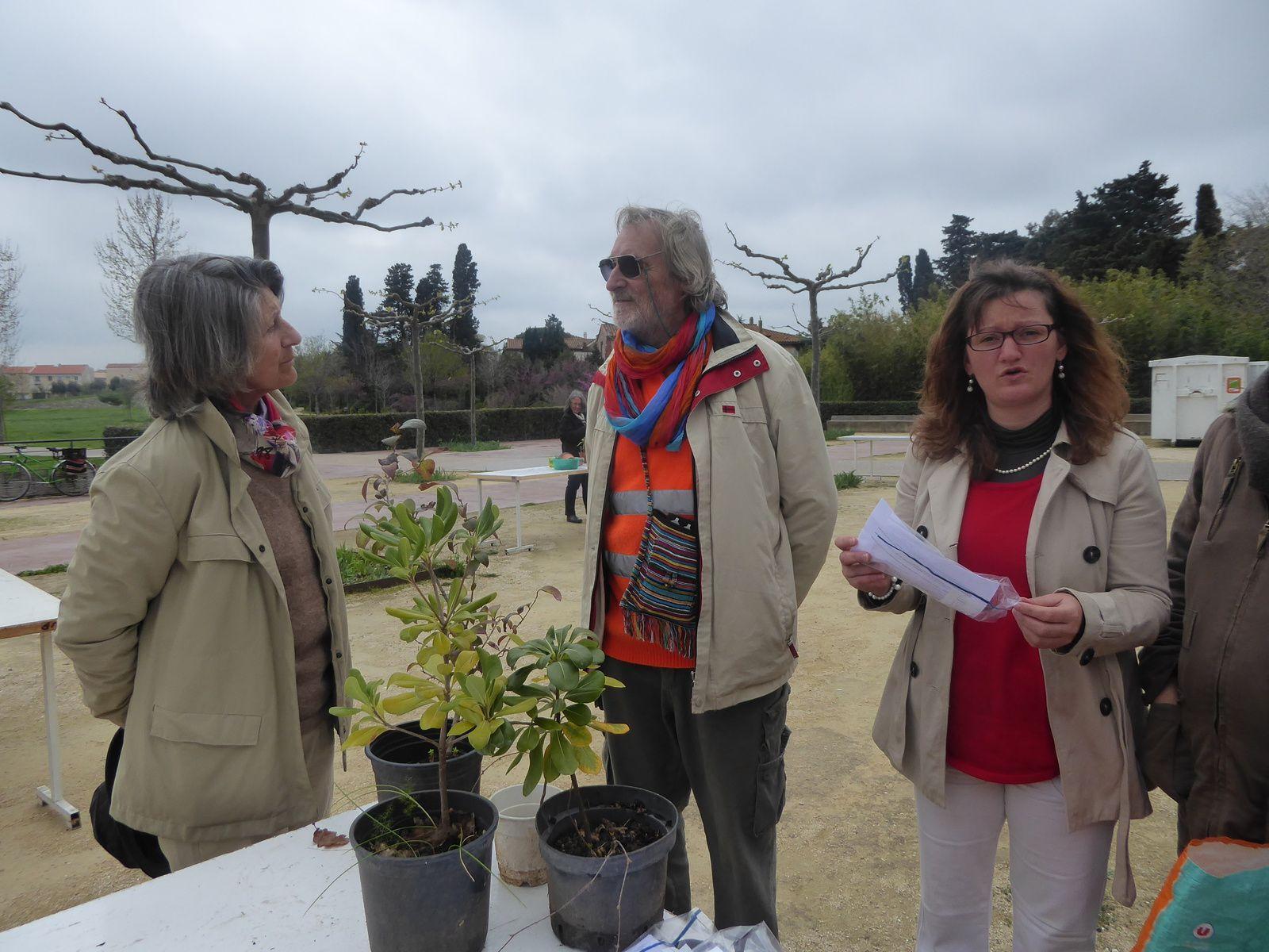troc de graines et plantes au parc sant vicens à Perpignan 2016