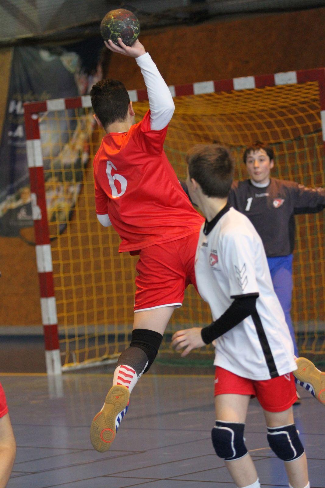 Le collectif U16 garçons de Vénissieux Handball a assuré le titre régional deux journées avant la fin du championnat