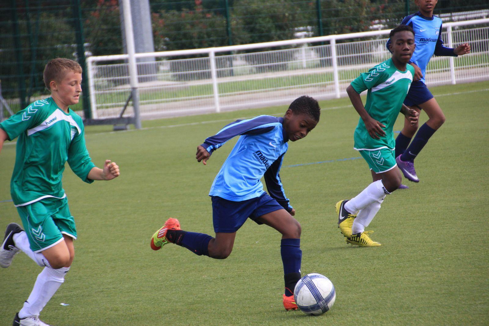 Mobilisez-vous  par vos posts pour offrir aux jeunes footballeurs locaux un mini-bus  pour leurs déplacement extérieurs.