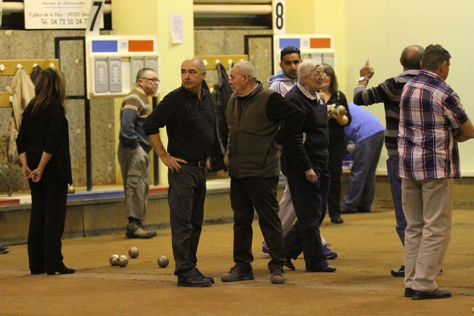 64 personnalités vénissianes ont participé au traditionnel gentlemen bouliste