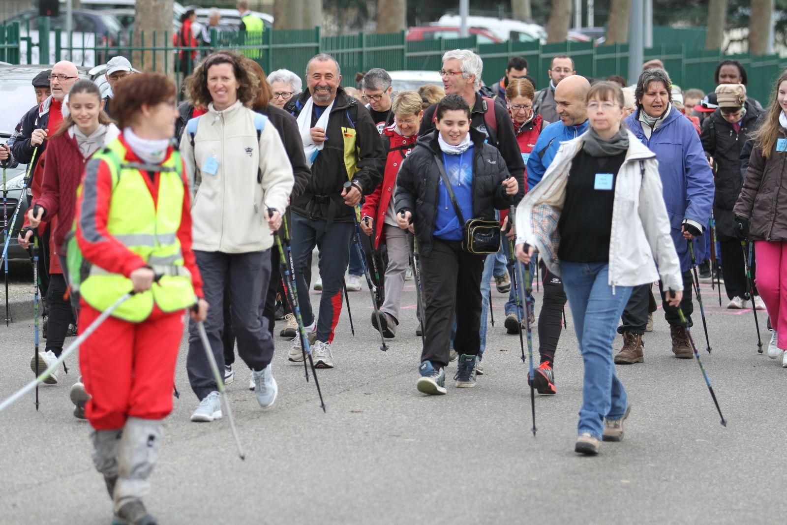 LA 5è édition de la marche n'a pas battu des records de participation mais des records de vitesse