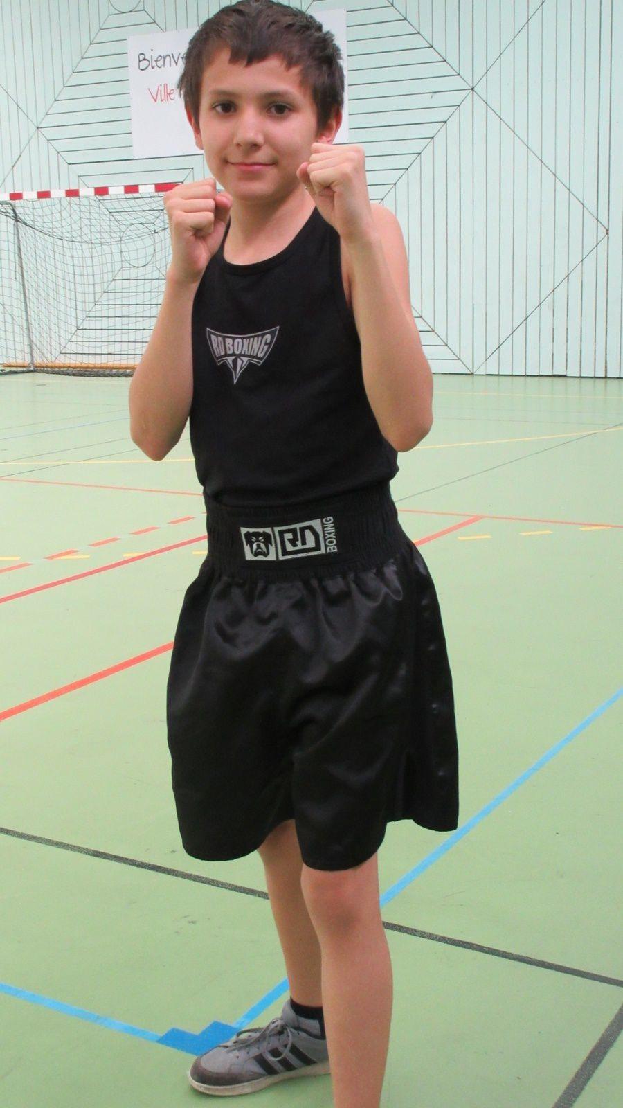 Les petits champions de boxe anglaise de l'Espace Ecole  Sport Boxe de Vénissieux