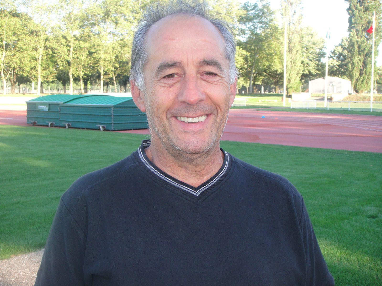 Gérald de Haro entraîneur de l'équipe de Nationale 2 de Vénissieux Handball