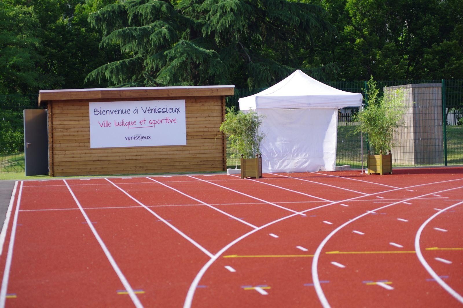 La nouvelle piste d'athlétisme du stade Laurent-Gerin a été inaugurée ce samedi.