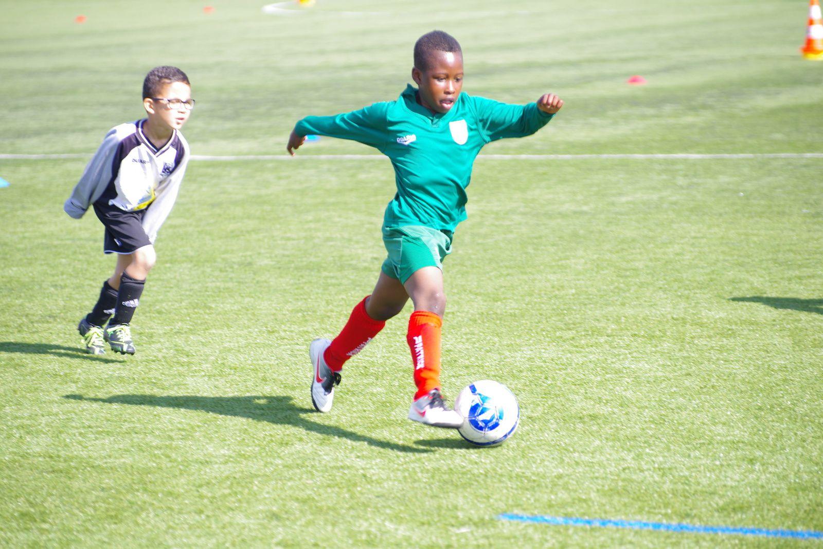 Plus de cinq cents footballeurs en herbe de 5 à 7 ans ont participé à la journée nationale des débutants à Vénissieux