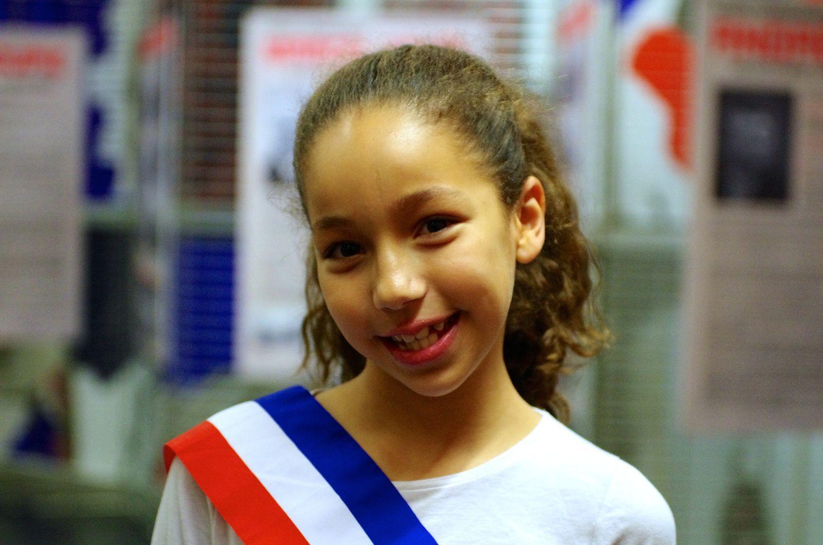 Lyna Dekhane est aussi conseillère municipale enfant à Vénissieux