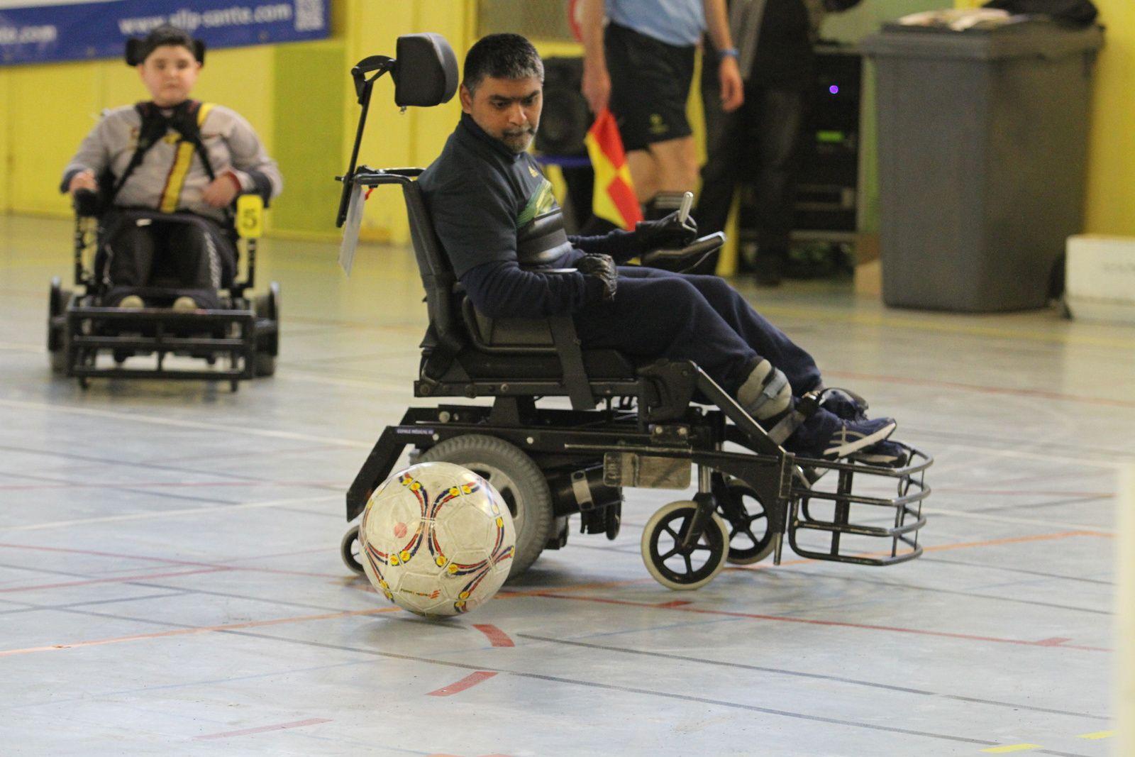 L'équipe d'Handisport Lyonnais de foot-fauteuil  a assuré son maintien Division 2 nationale