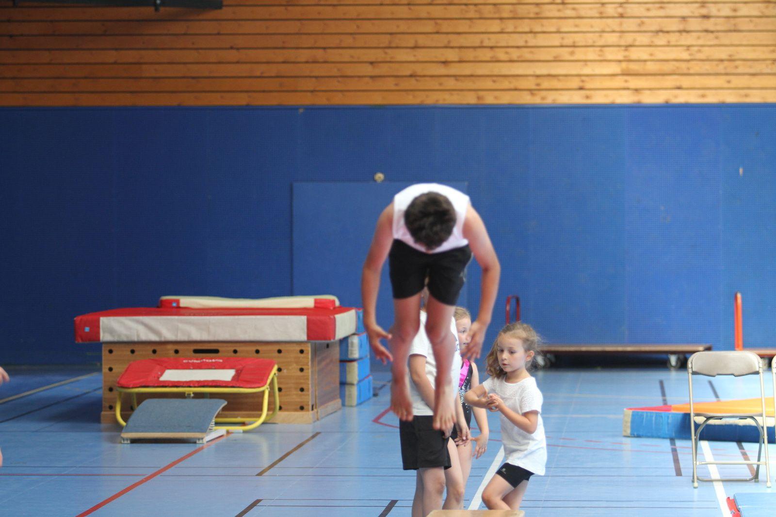 Les écoles de sport du CMOV Gymnastique et trampoline ont fini la saison en beauté