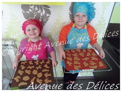 Mes amours fiers de leurs biscuits, plus qu'à laisser maman les cuires.