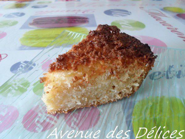 Gâteau moelleux aux pommes et son croustillant noix de coco