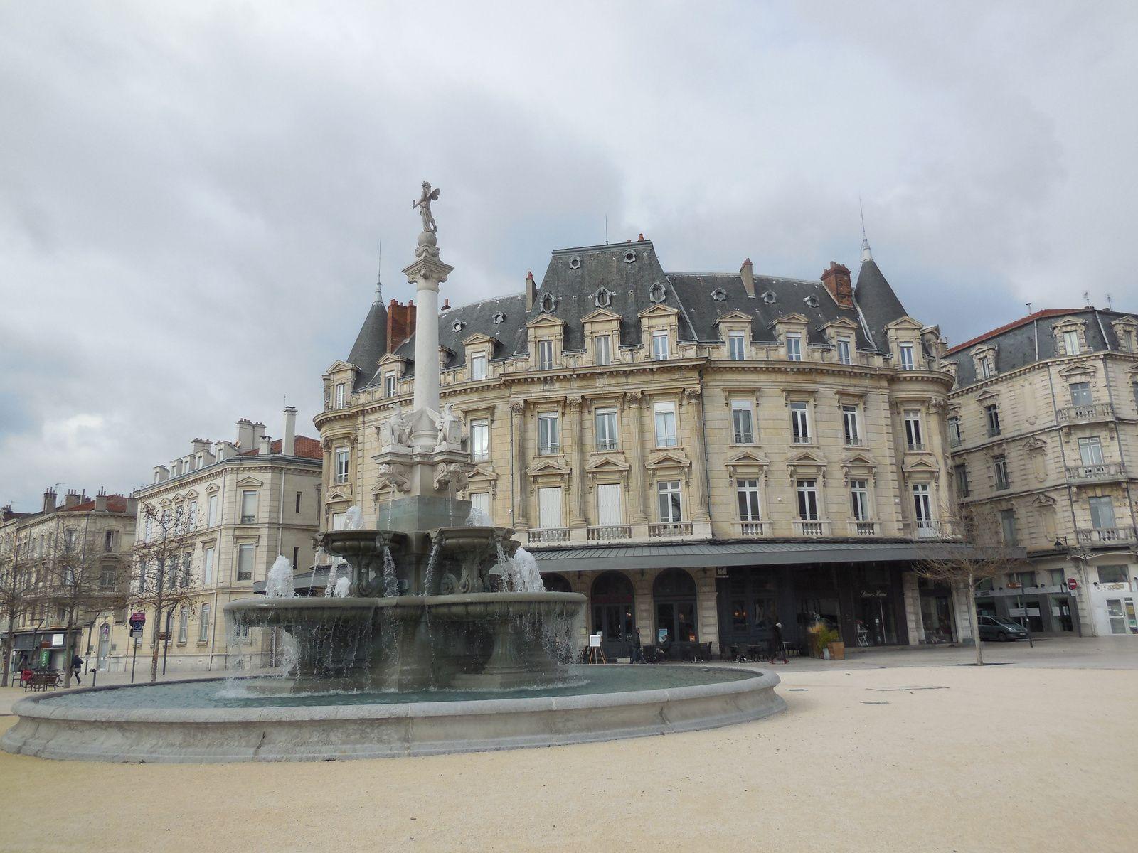 Valence : la fontaine des Boulevards