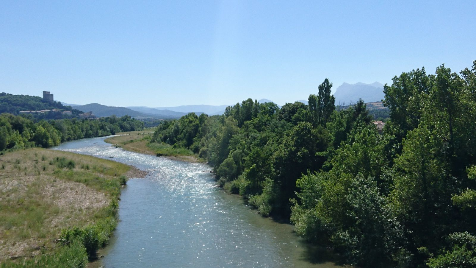 La Drôme, en aval de Crest.