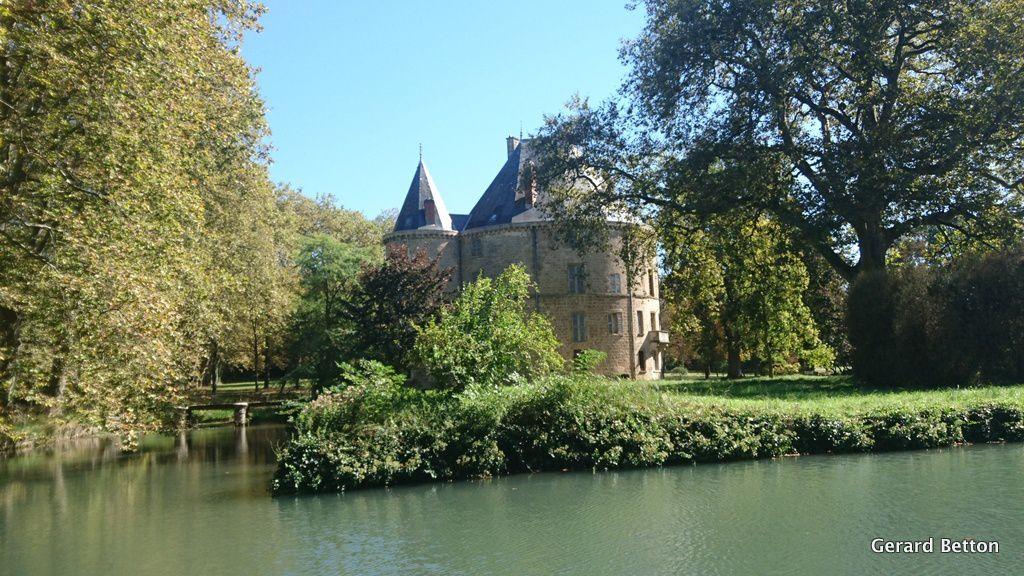 Petit château vers Montelier