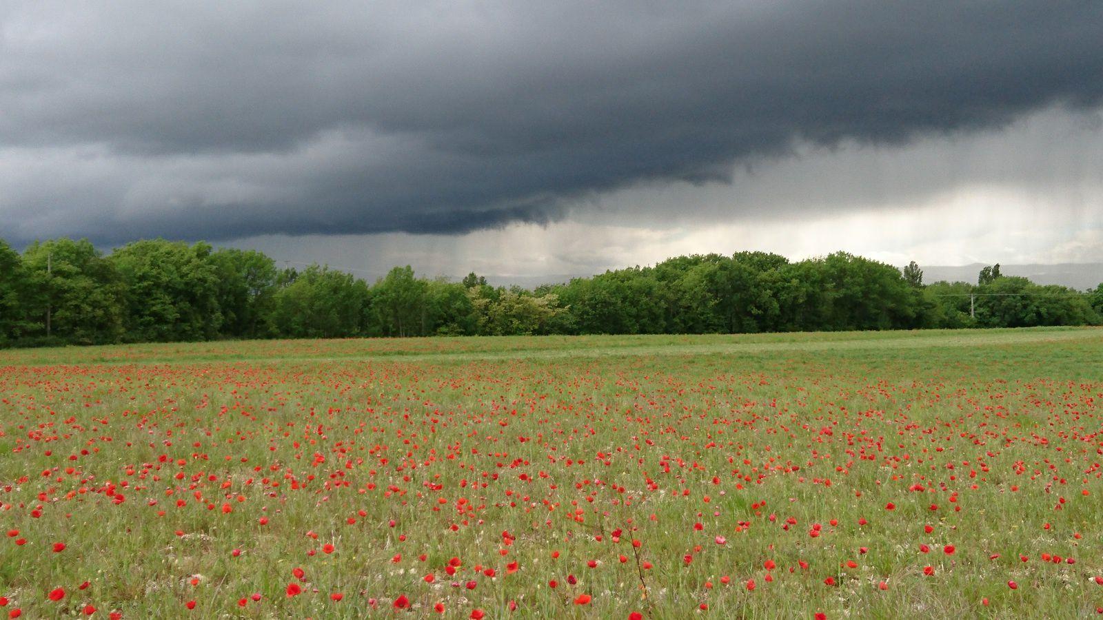 La Raye, sous un orage de grêle