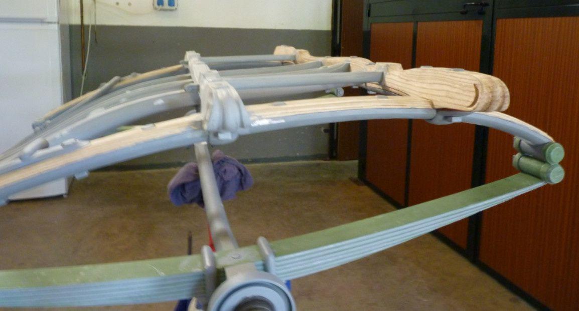 Remplacement de l'ancienne moulure en bois habillant la jambe de force