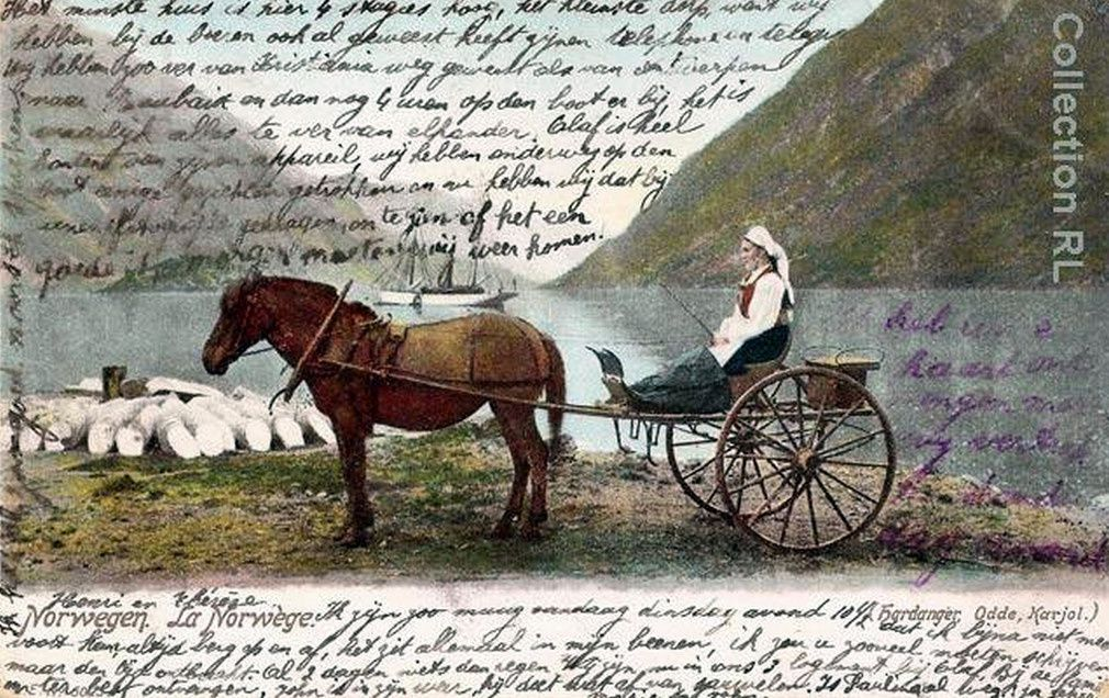 Attelage féminin typique dans le Hardanger Fjord en Norvège, 1903.