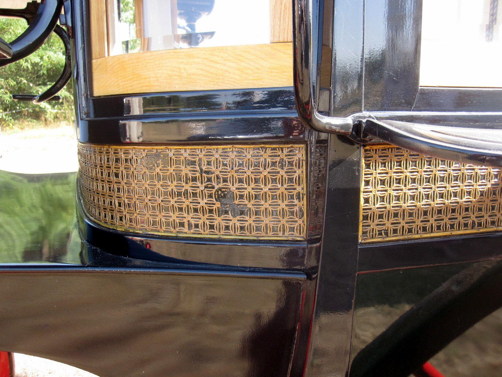 Décor de frise, guilloché, de l'omnibus Chabrol Aîné à Toulouse