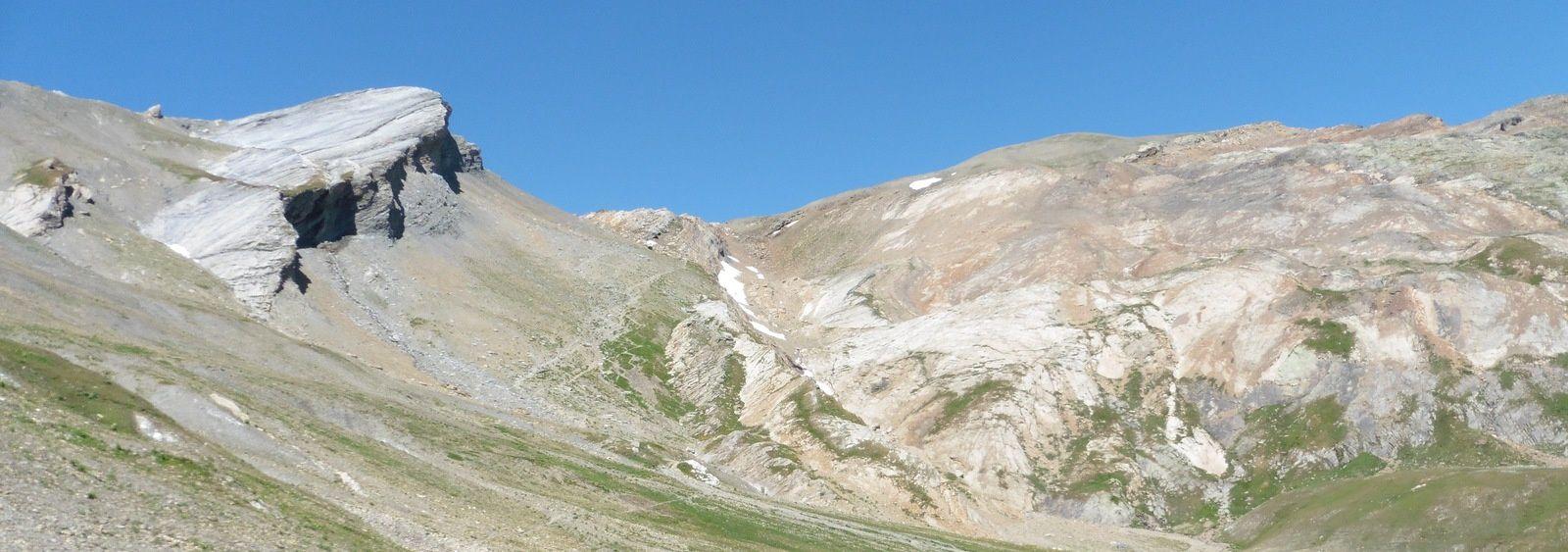 C'est la montée vers le col des Fours, entre la tête sud et la tête nord.