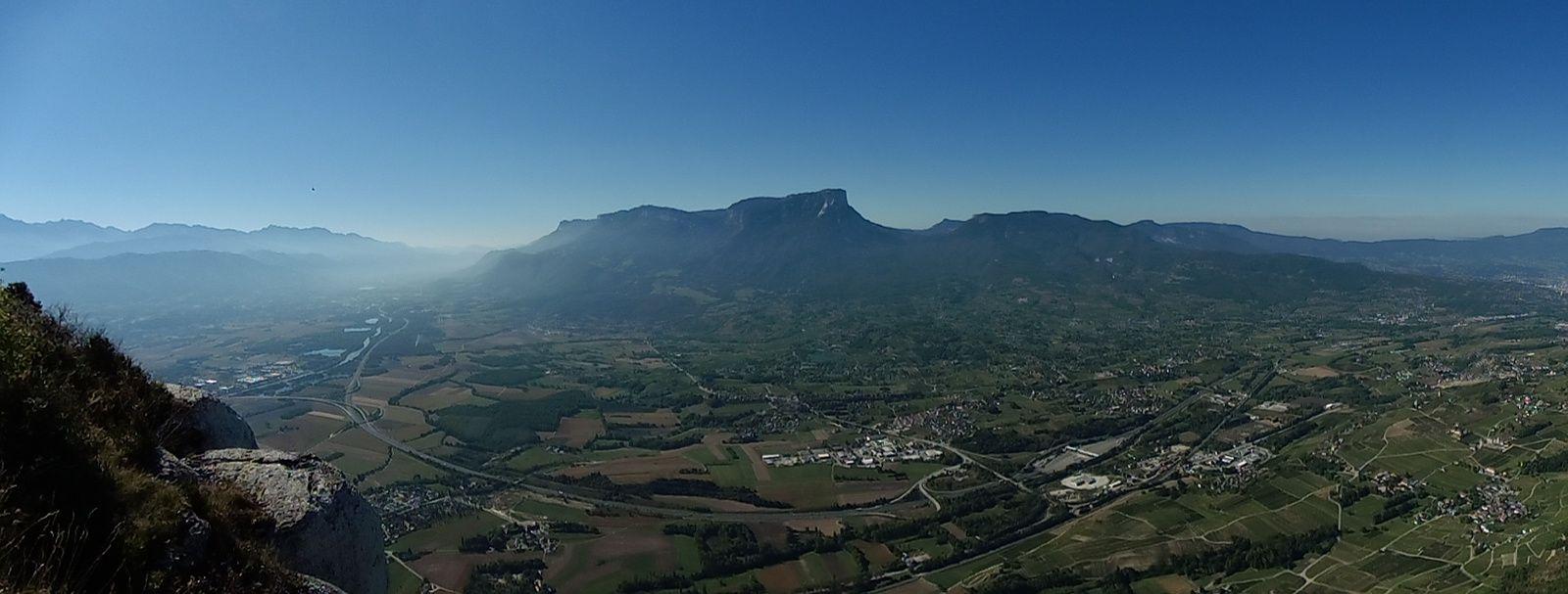 Un panorama sous le Granier, du Grésivaudan à Chambéry.