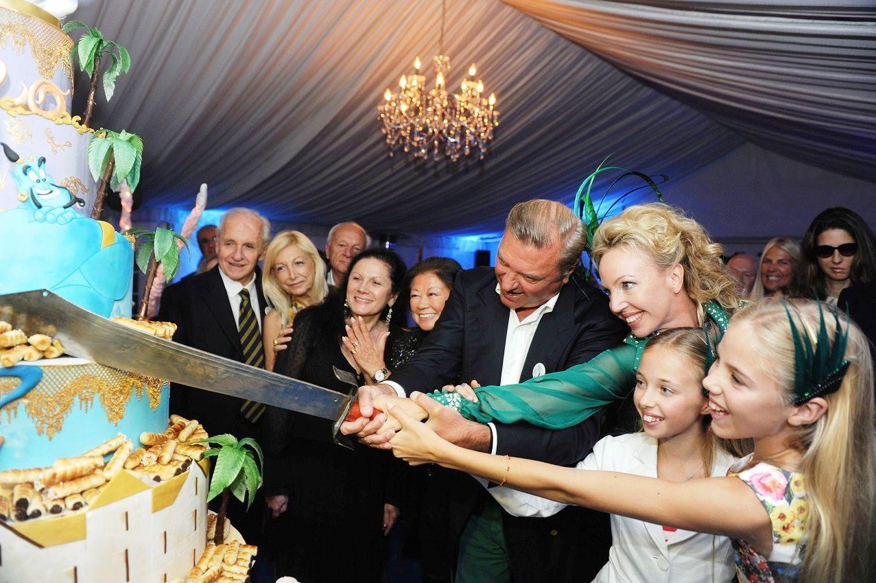 LL.AA.RR. le Prince Charles et la Princesse Camilla de Bourbon Deux Siciles
