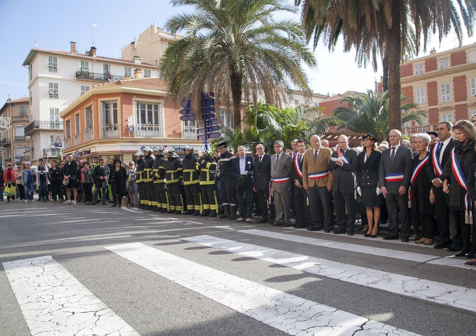 Après les attaques de Paris, les élus de Menton unis pour la sécurité de la population - Attaques de Paris : le Festival de l'humour de Menton annulé