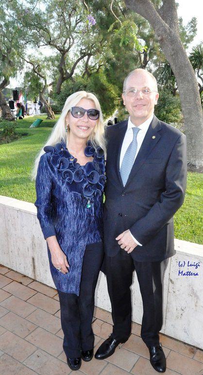 L'Ambasciatore Massimo Lavezzo-Cassinelli e Sign.ra al suo arrivo nel Principato