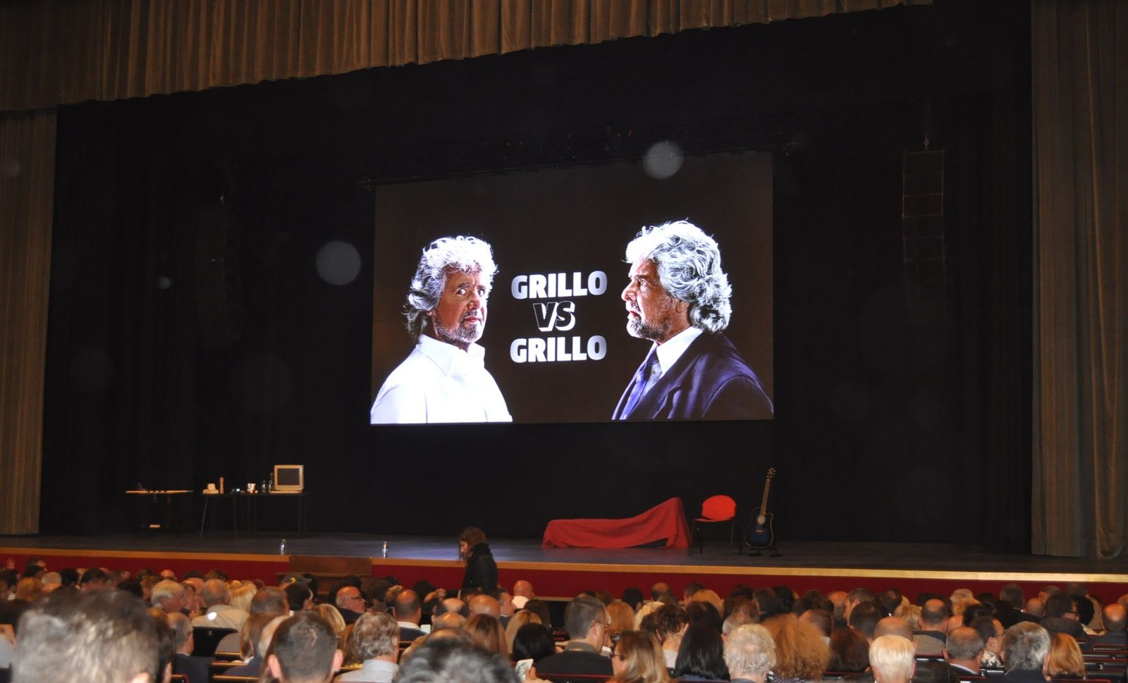 GRILLO VS GRILLO COMICO O POLITICO ? ARISTON SANREMO