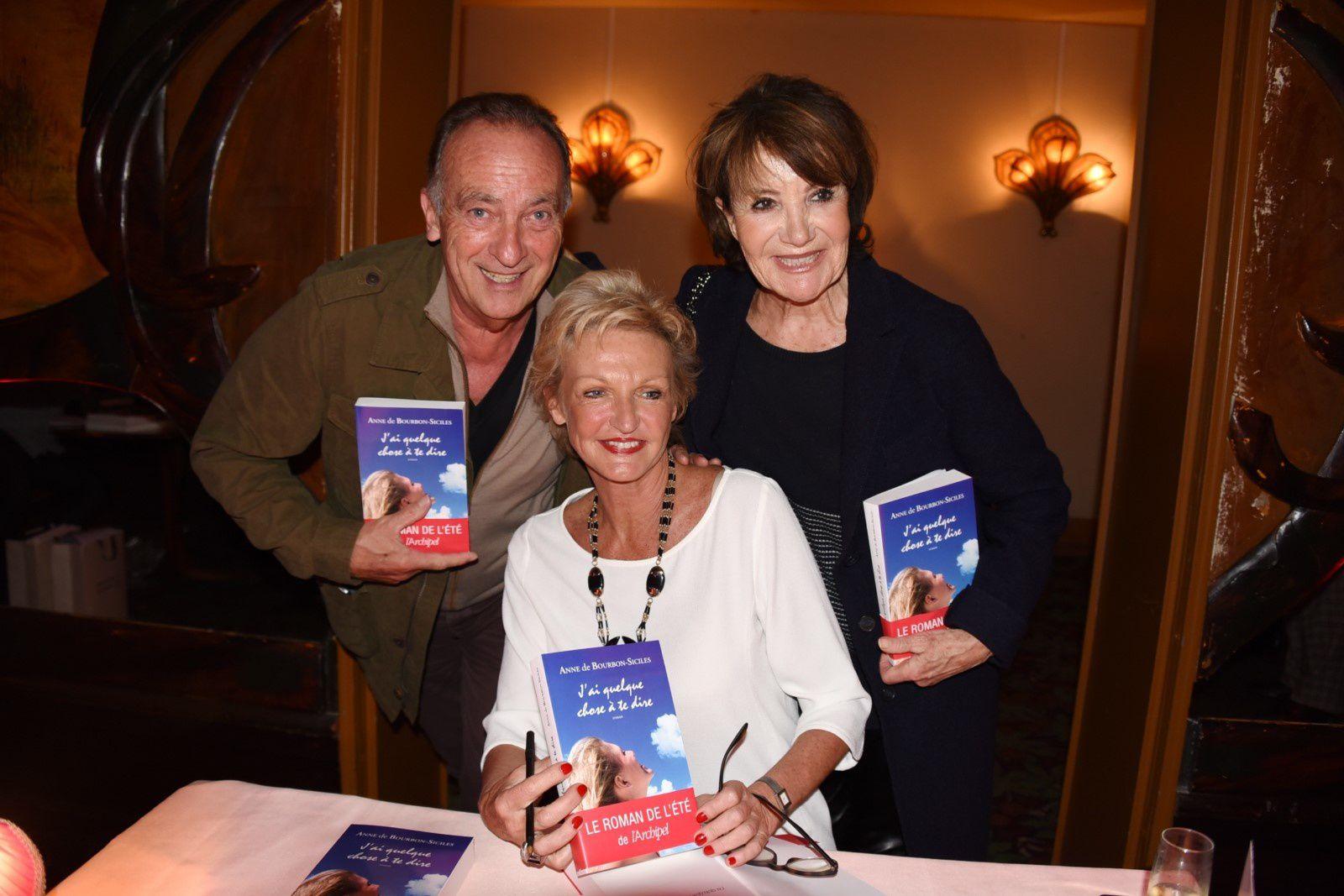 La Princesse avec Yves LECOQ et Yaguel DIDIER (voyante) - (c) Jean-Luce Huré