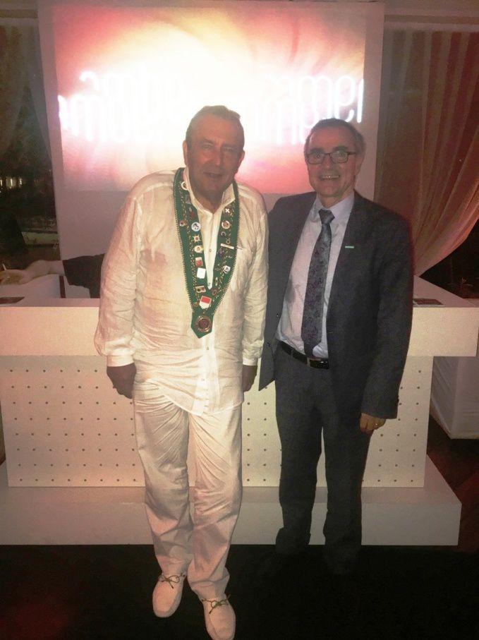 (de gauche à Droite)  Monsieur Gérard CANARIE (Bailli délégué de Monaco)  Monsieur Manuel DE VASCONCELOS ( Manager Général Méridien Beach Plaza Monaco)