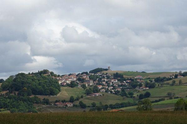 Fontanès, Grammond, Aveizieux et les bois de Meycillieux.