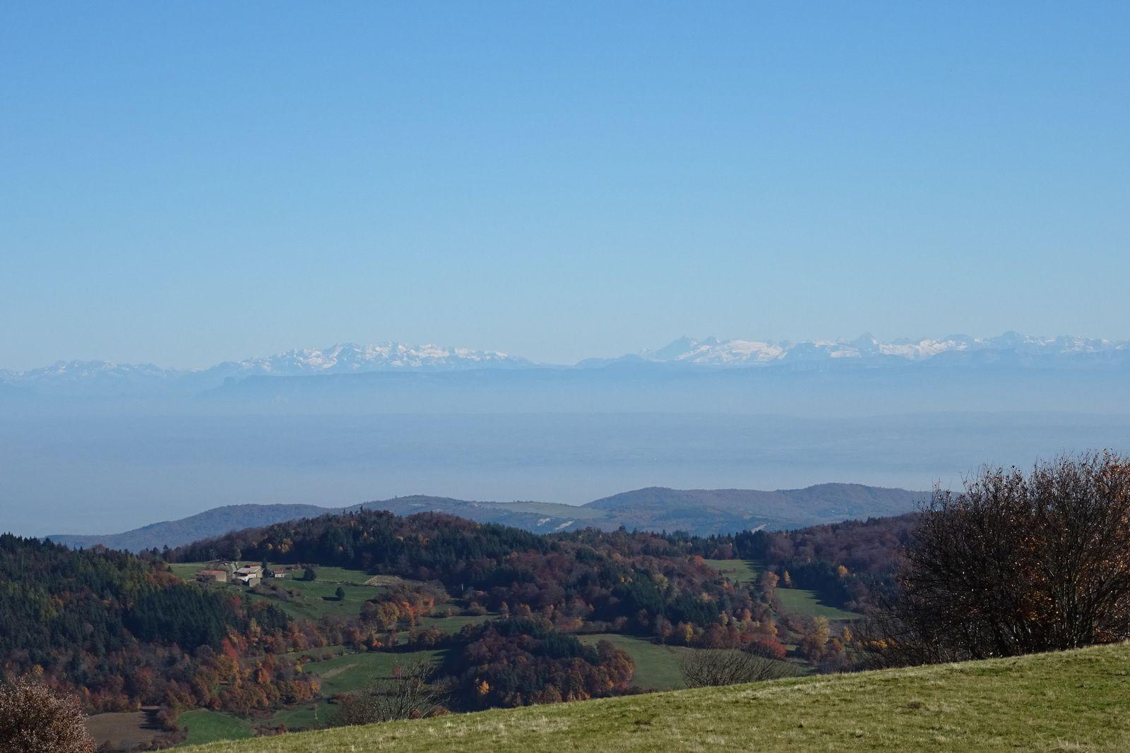Cette vue sur les Alpes m'accompagne une bonne partie du parcours, trop beau, trop bien, trop géniale !