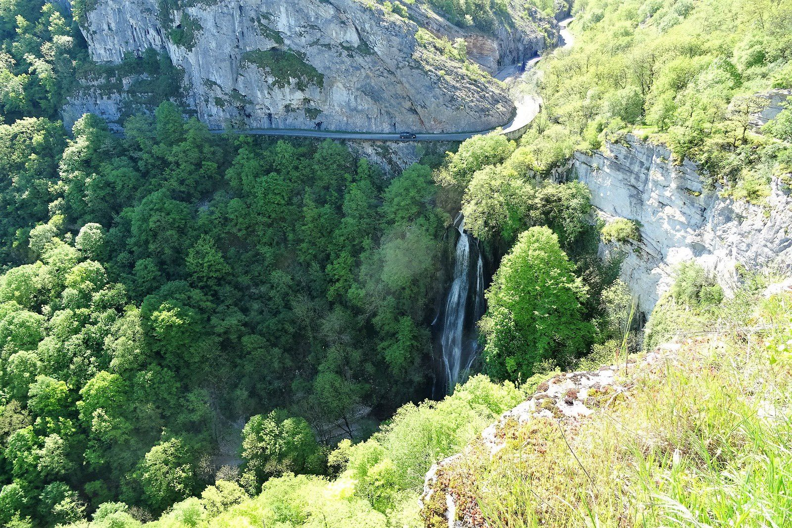 Point de vue sur la cascade.