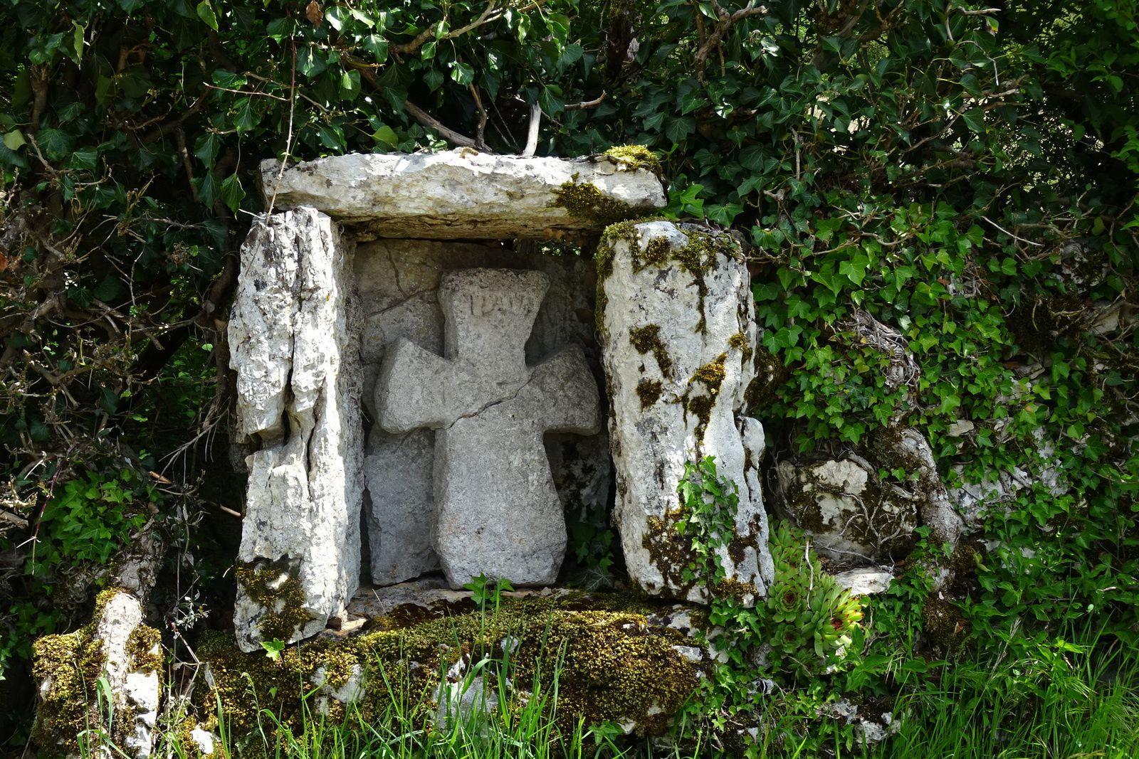 Tous le long du séjour nous verrons des croix anciennes comme celle-ci.