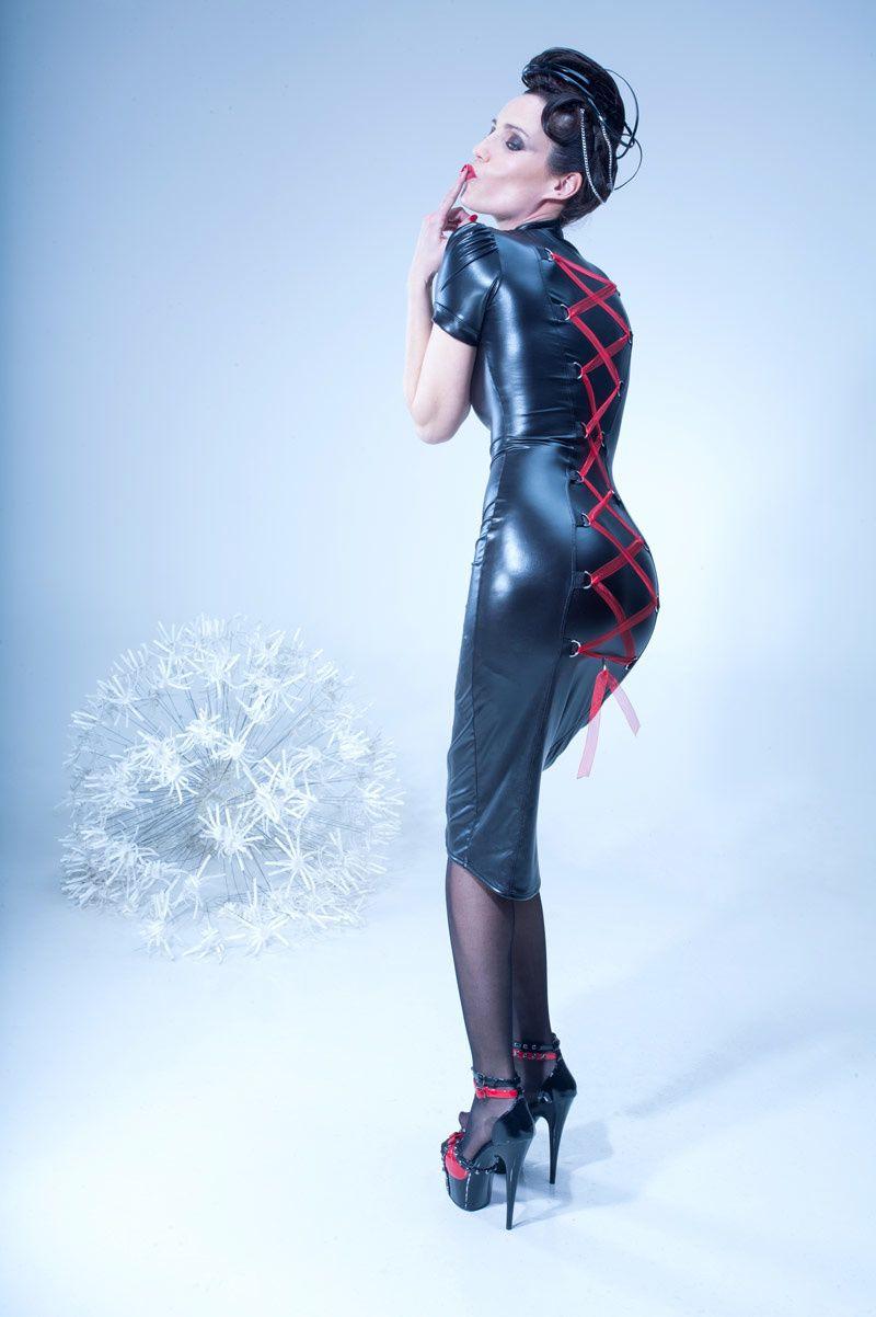 Maelys, la robe corset Catanzaro TOME 11