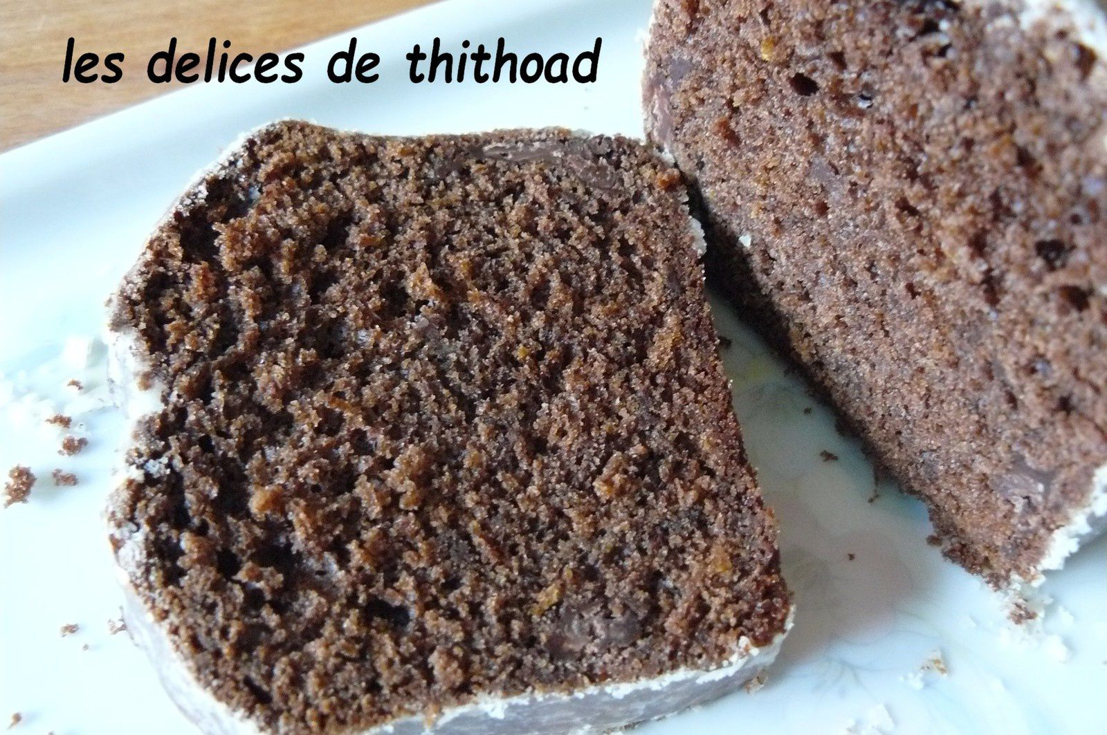 cake au chocolat et glaçage à l'orange