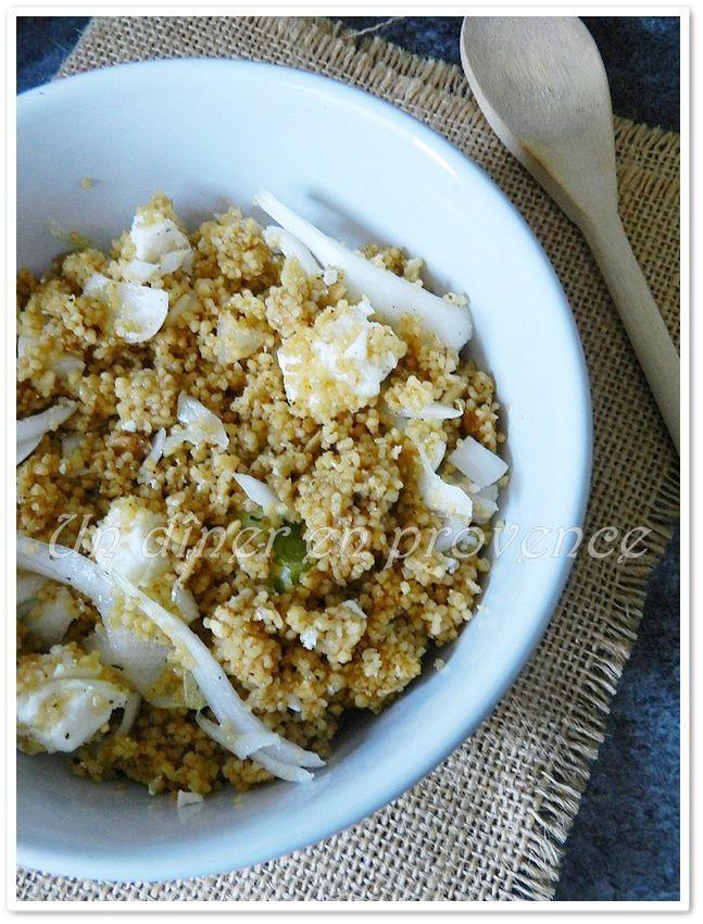 Salade aux céréales pesto rosso, féta et oignon cebette