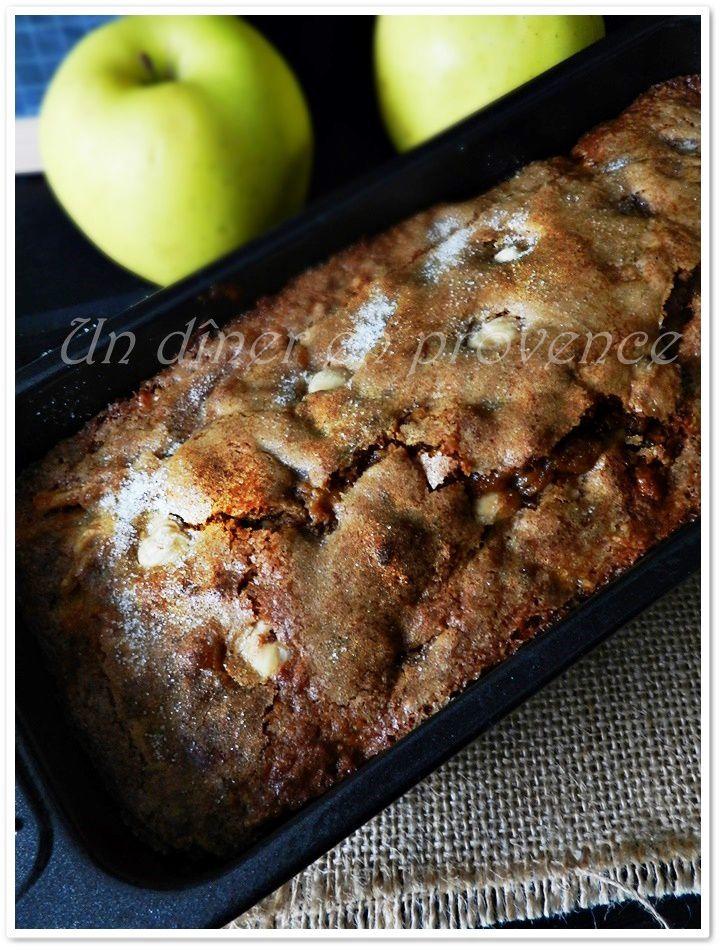 Cake aux pommes, noisettes et confiture de lait
