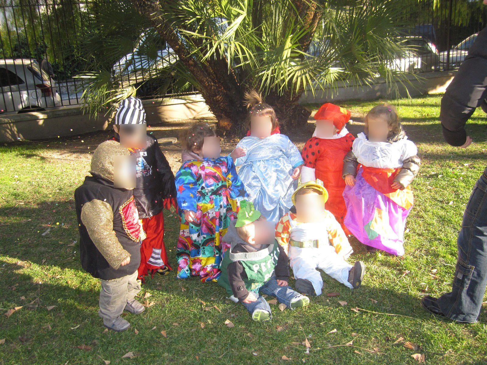 Nos petits bouts se déguisent pour carnaval !!!