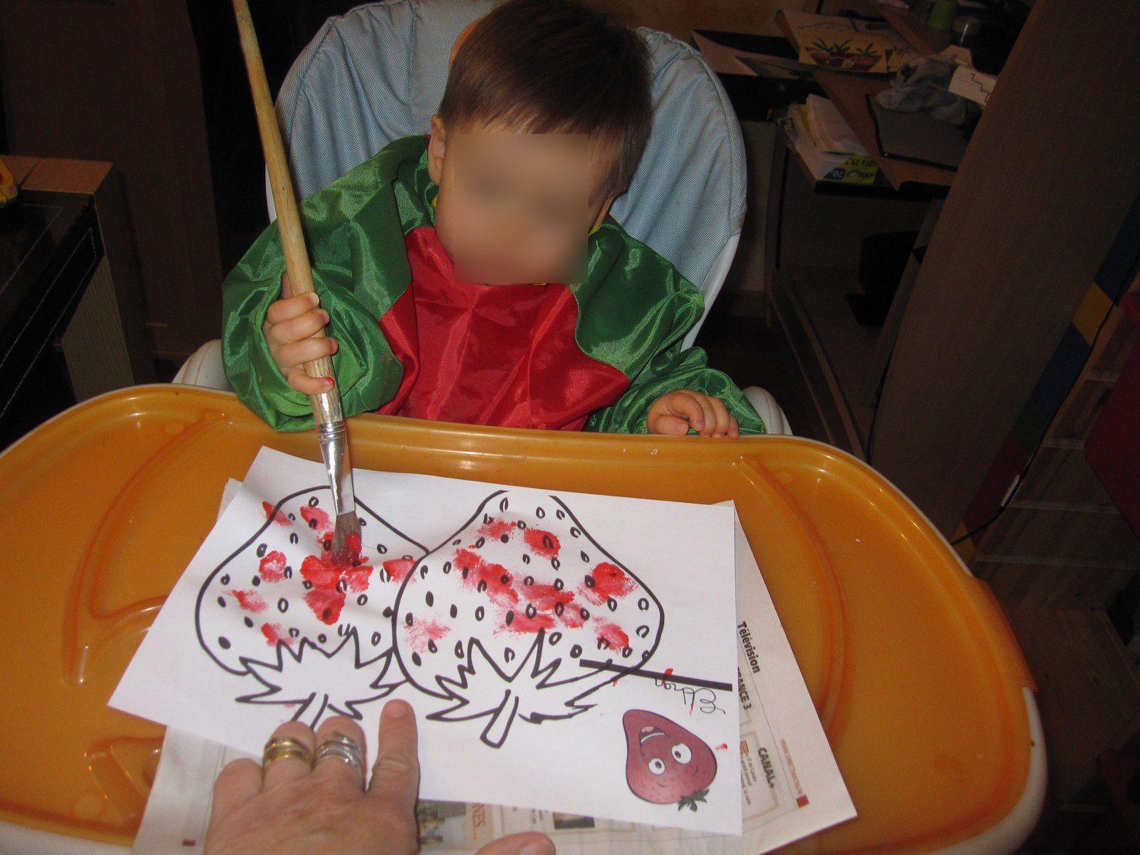 dessin facile:la fraise  fait part nos petits bouts