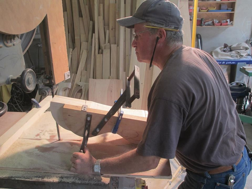 JEREMIAH WATT SADDLE TREE MAKING CLASS, STAGE DE FABRICATION D'ARÇON WESTERN PAR JEREMIAH WATT.