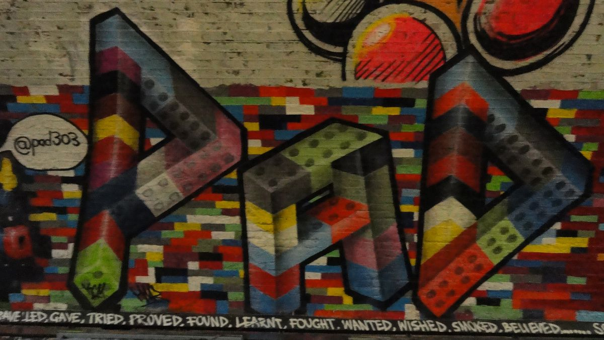 Street Art : Graffitis &amp&#x3B; Fresques Murales Leake street district Lambeth London